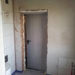Drzwi ppoż EI30 pomiędzy kotłownią a garażem zamontowane ;)